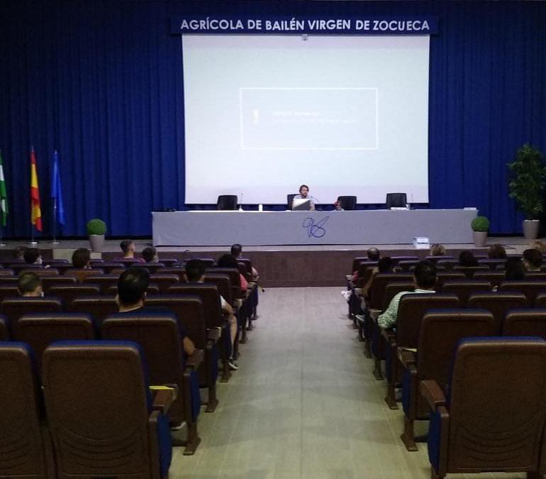 Picualia recibe a alumnos del IFAPA como modelo de elaboración y gestión de una almazara